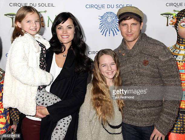 Fiona Eve Facinelli actress Jaimie Alexander Lola Ray Facinelli and actor Peter Facinelli attend Totem from Cirque Du Soleil Opening Night on January...