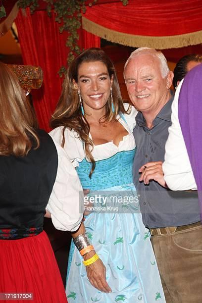 """Fiona Swarovski Und Werner Baldessarini Beim """"Baldessarini Stammtisch"""" Im Hippodrom Beim Oktoberfest In München"""