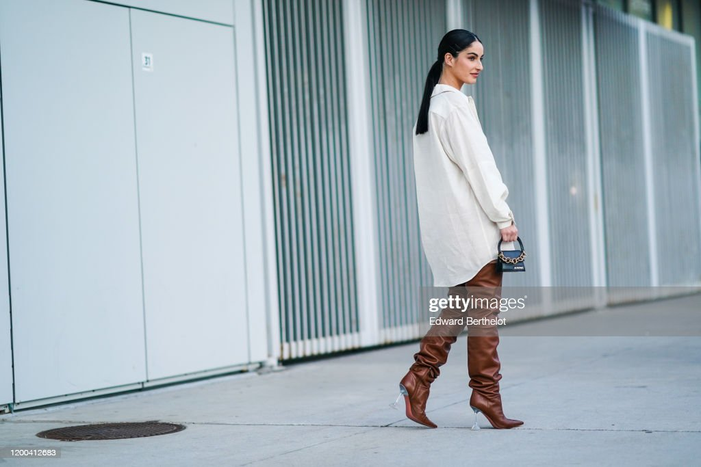 Street Style - Paris Fashion Week - Menswear F/W 2020-2021 : Day Five : News Photo