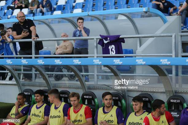 ACF Fiorentina captain Davide Astori's shirt is shown by a fan close to the ACF Fiorentina bench during the serie A match between US Sassuolo and ACF...
