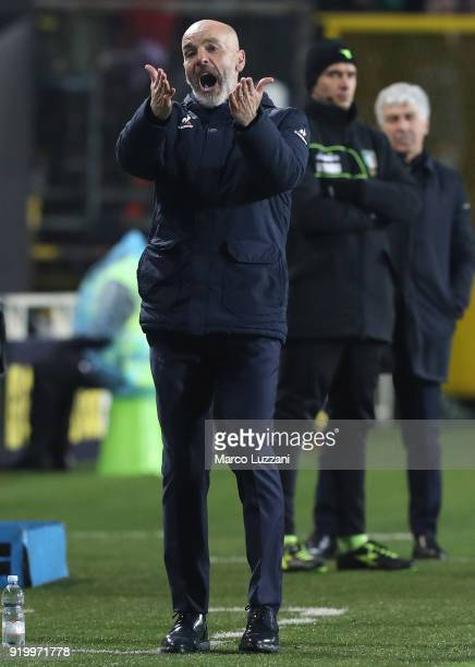 Fiorentina coach Stefano Pioli reacts during the serie A match between Atalanta BC and ACF Fiorentina at Stadio Atleti Azzurri d'Italia on February...