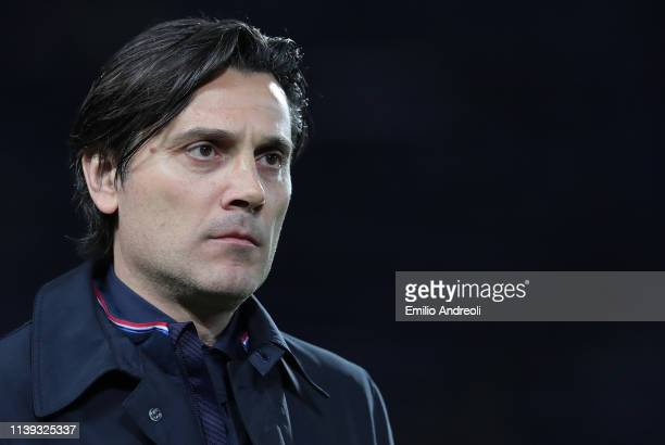 Fiorentina coach Vincenzo Montella looks on during the TIM Cup match between Atalanta BC and ACF Fiorentina at Stadio Atleti Azzurri d'Italia on...