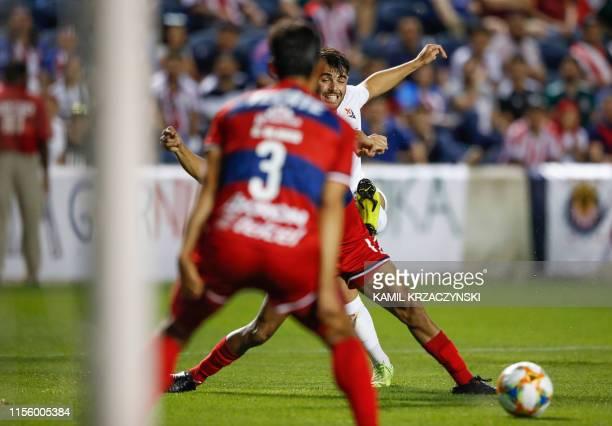 Fiorentina forward Riccardo Sottil scores against the Chivas de Guadalajara during the second half of the 2019 International Champions Cup soccer...