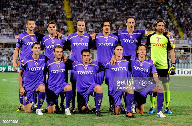 Fiorentina line up for a team shot prior to the UEFA Champions League Qualifying match between Fiorentina and Sporting Lisbon at Artemio Franchi...