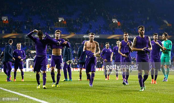 Fiorentina players show their dejection after the UEFA Europa League round of 32 second leg match between Tottenham Hotspur and Fiorentina at White...