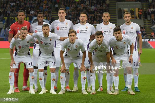 Fiorentina Team poses during the serie A match between FC Internazionale and ACF Fiorentina at Stadio Giuseppe Meazza on September 25 2018 in Milan...