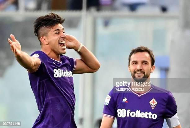 Fiorentina's Argentinian forward Giovanni Simeone celebrates after scoring during the Italian Serie A football match Fiorentina vs Napoli on April 29...