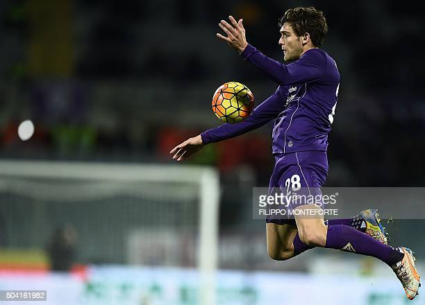 TOPSHOT Fiorentina's defender from Spain Marcos Alonso Mendoza controls the ball during the Italian Serie A football match Fiorentina vs Lazio at the...