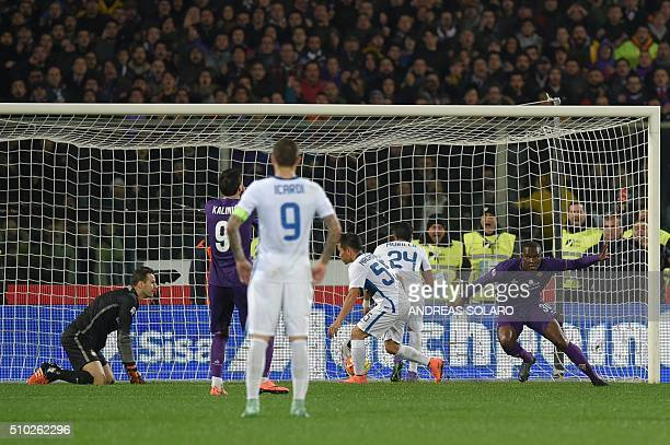 Fiorentina's forward from Senegal Khouma Babacar celebrates after scoring a goal during the Italian Serie A football match Fiorentina vs Inter Milan...