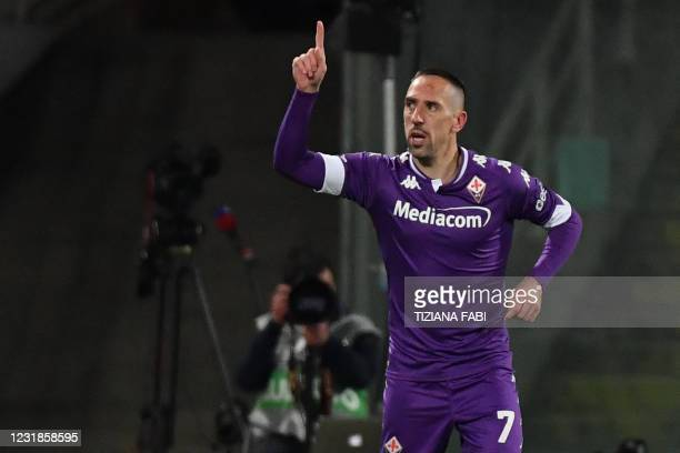 Fiorentina's French forward Franck Ribery celebrates after scoring his team's second goal during the Italian Serie A football match Fiorentina vs AC...