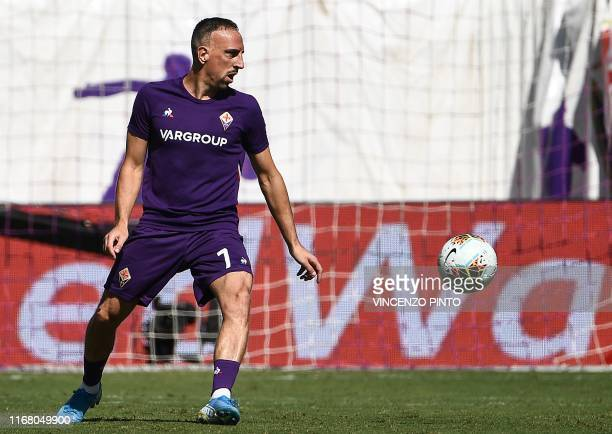 Fiorentina's French forward Franck Ribery warms up prior to the Italian Serie A football match Fiorentina vs Juventus on September 14 2019 at the...