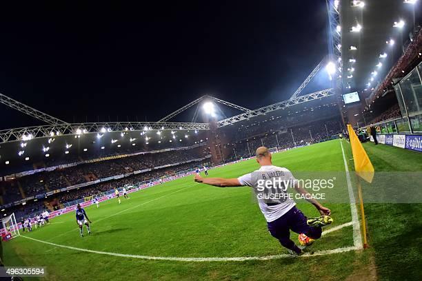 Fiorentina's midfielder from Spain Borja Valero kicks a corner during the Italian Seria A football match Sampdoria vs Fiorentina on November 8 2015...