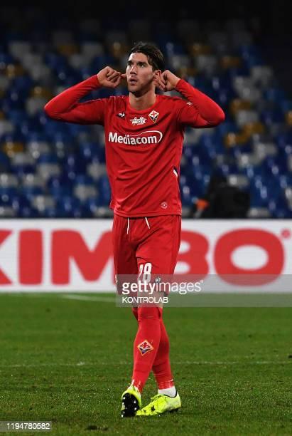 Fiorentina's Serbian forward Dusan Vlahovic celebrates after scoring a goal during the Italian Serie A football match SSC Napoli vs Fiorentina ACF....
