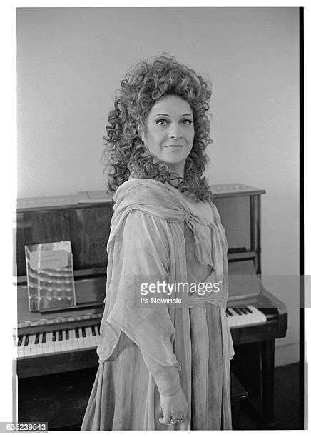 Fiorenza Cossotto poses in her costume as Azuncena for a photographer She performs in the opera Il Trovatore Composed by Giuseppe Verdi