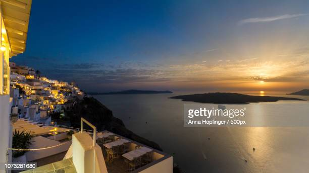 fira tag nacht - nacht stock pictures, royalty-free photos & images