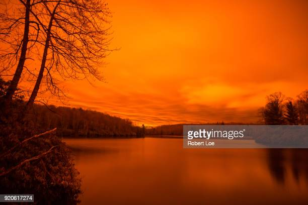 a fire breathing dragon at price lake - diablo lake fotografías e imágenes de stock