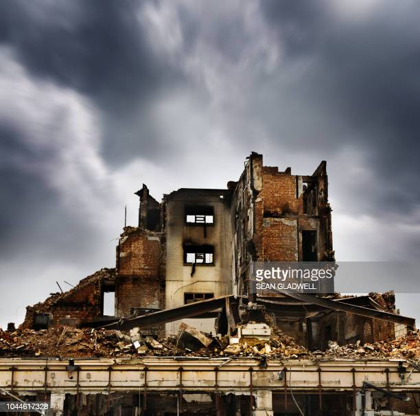 fire damaged building - house collapsing stock pictures, royalty-free photos & images