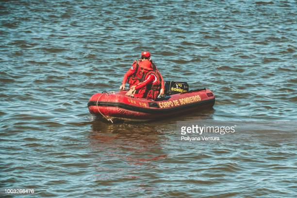 fire department search and rescue in recife - rescue worker stock pictures, royalty-free photos & images