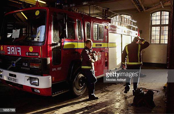 Fire Fighters walk out on their eight day strike at a fire station November 22 2002 in Clerkenwell London The fire fighters walked out at 9am after...