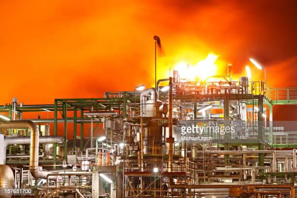 Feuer In Ölraffinerie