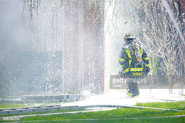 fire in farmington, ct - extinguishing stock pictures, royalty-free photos & images