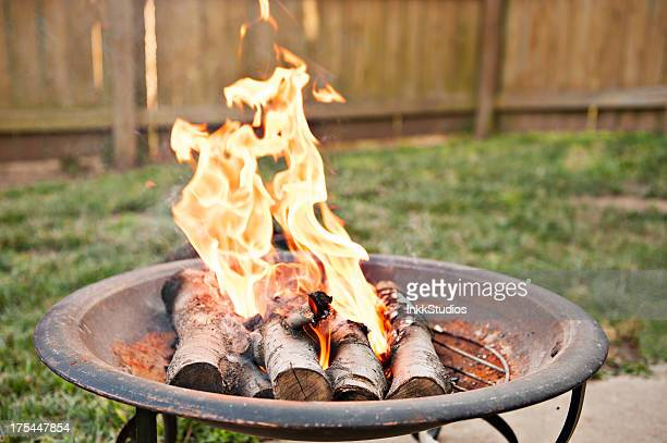 fire pit - fire pit stock pictures, royalty-free photos & images