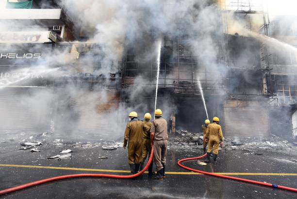 IND: Massive Fire Breaks Out At Clothing Showroom In Lajpat Nagar; 30 Fire Tenders, 70 Firefighters Deployed