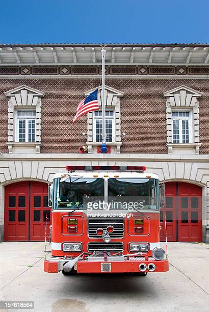 fire station - fire station stock pictures, royalty-free photos & images