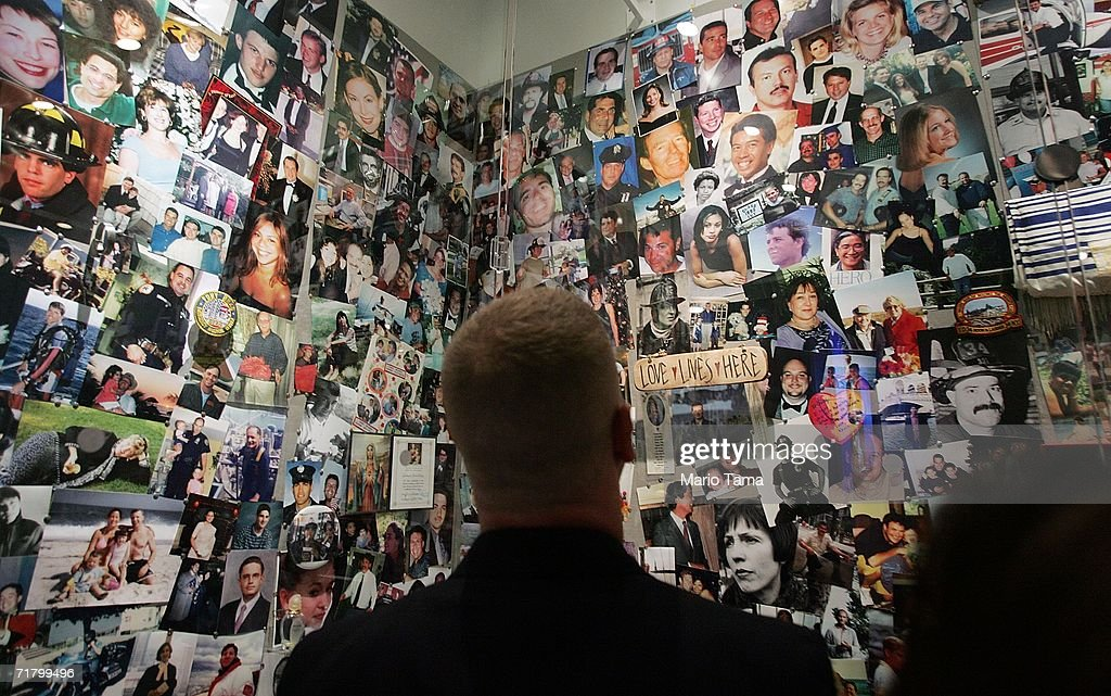 """""""Tribute Center"""" To House Remembrances Of September 11 : News Photo"""