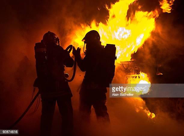 firefighter - alain bachellier photos et images de collection