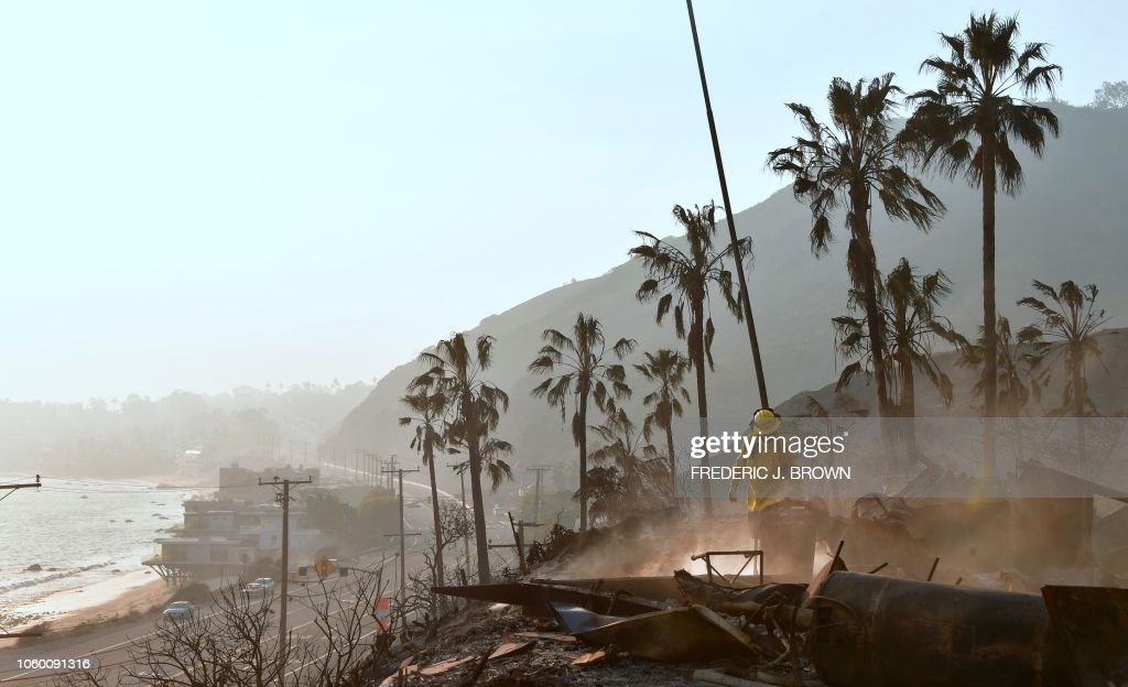 US-FIRE-CALIFORNIA-ENVIRONMENT-WEATHER : News Photo