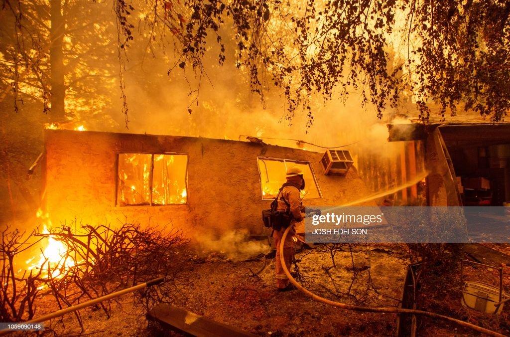 TOPSHOT-US-FIRE-WEATHER-USA-ENVIRONMENT : News Photo
