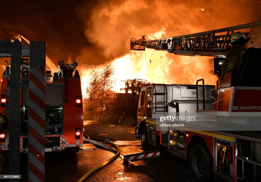 huge fire in berlin pictures getty images