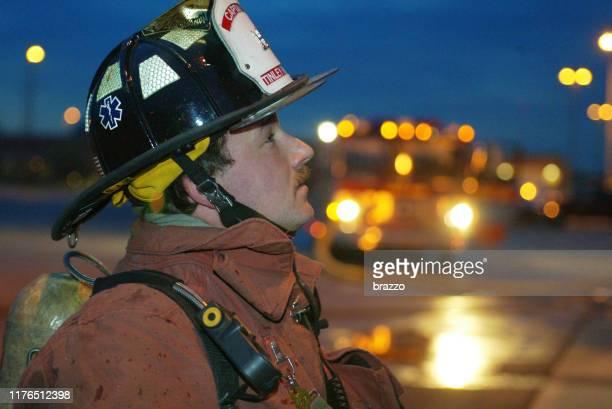 消防 士 - 酋長 ストックフォトと画像