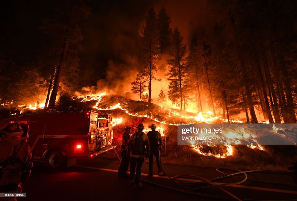 TOPSHOT-US-CALIFORNIA-FIRE : News Photo