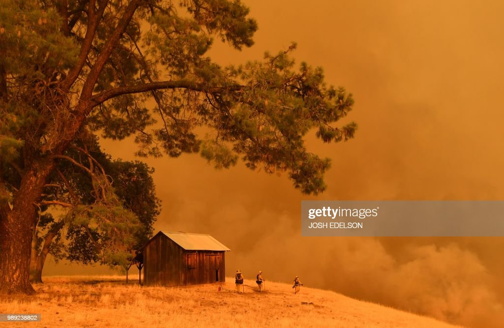 TOPSHOT-US-FIRE-WEATHER : News Photo