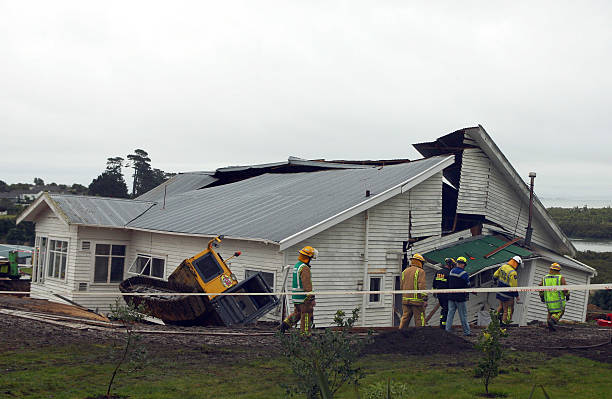 at least 2 dead after auckland building collapsesの写真および