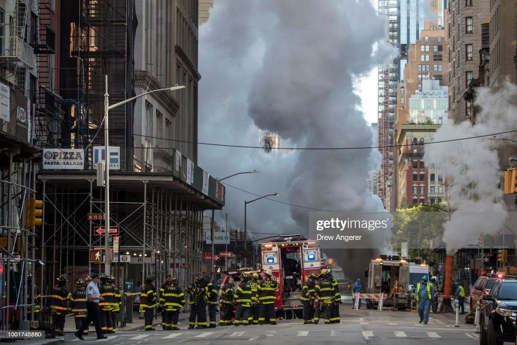 Photos: Steam Pipe Explosion in New York City