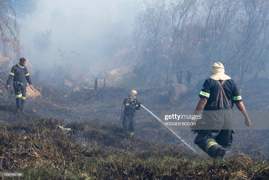 SAFRICA-DISASTER-FIRE : News Photo