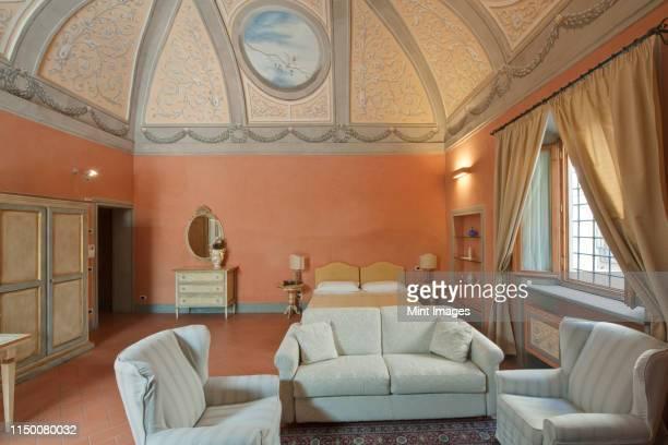 firenze suite room interior - affresco foto e immagini stock