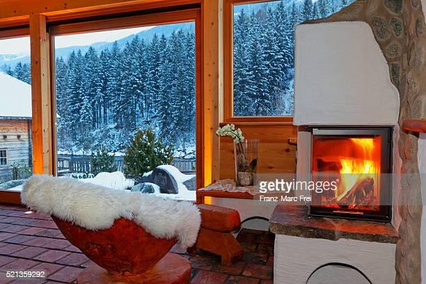 fireplace at the spa at hotel moserhof ,penk, moelltal, carinthia, austria - moserhof stock-fotos und bilder