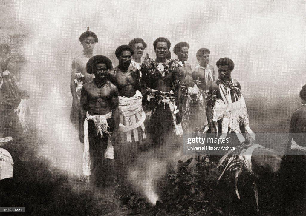 Fire-walking ceremony on Beqa Island, Fiji : News Photo