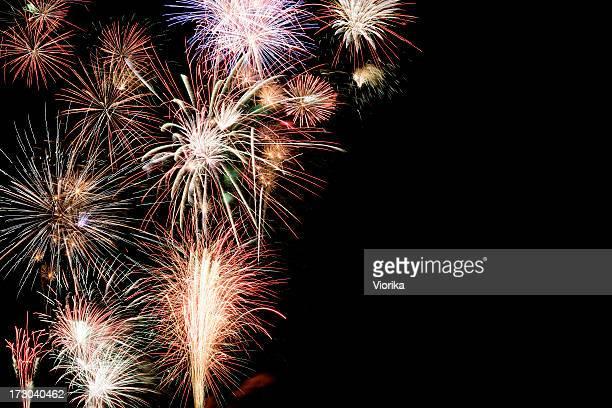 fundo com copyspace de fogos de artifício - quarta feira - fotografias e filmes do acervo
