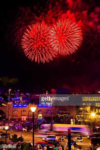 Feuerwerk im Hafen
