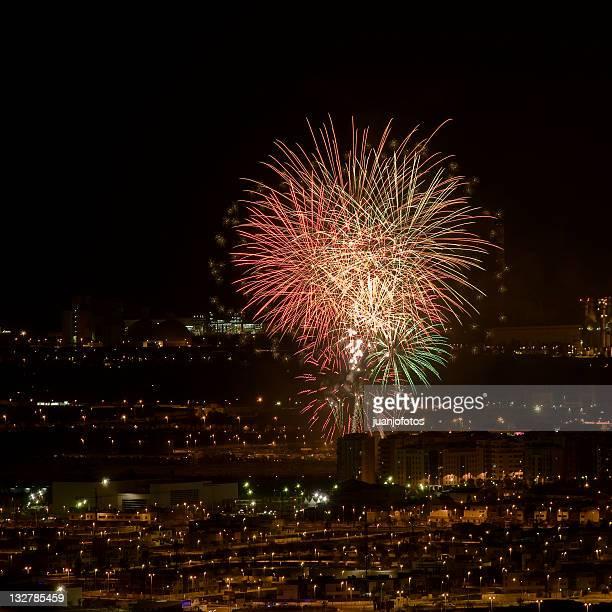 fireworks at night - カステリョン ストックフォトと画像