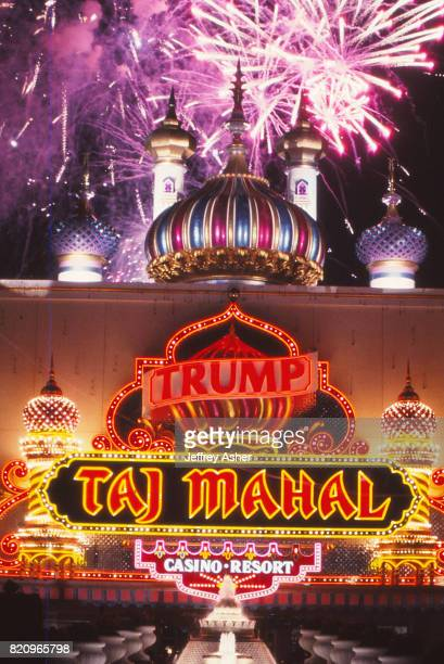 Fireworks at the grand opening of the Trump Taj Mahal Casino Hotel in Atlantic City, New Jersey May 18 1990.