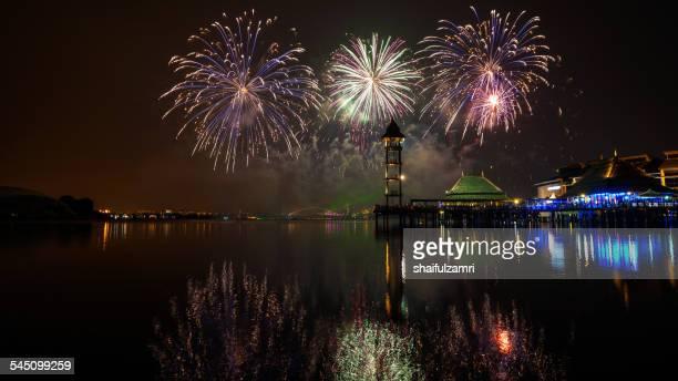 fireworks display - shaifulzamri 個照片及圖片檔