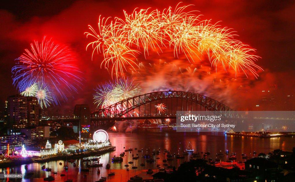 City Of Sydney Celebrates New Year's Eve 2017 : News Photo