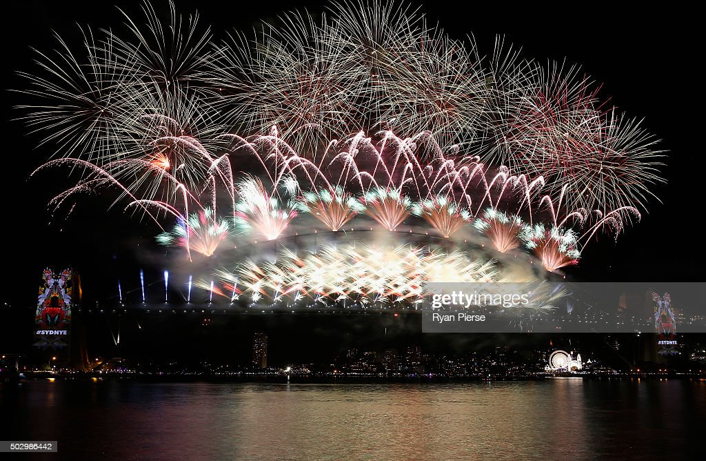 Fireworks explode off the Sydn...