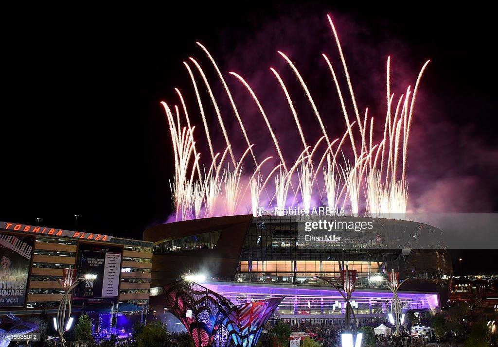 T Mobile Arena Grand Opening Pusat Hiburan Terbaik